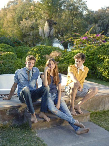 junge-teenager-mit-mavi-jeanshosen