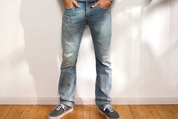 levis-jeans-mit-destroyed-patches