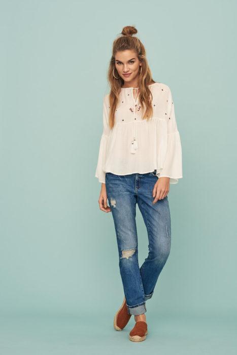 bluse straight leg jeans
